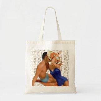 Retro 1950s Beach Couple Budget Tote Bag