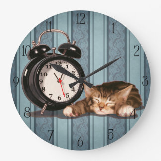 Retro alarm clock and kitty