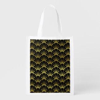 Retro Art Deco Black / Gold Shell Scale Pattern