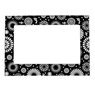 Retro black white flowers Magnetic Frame