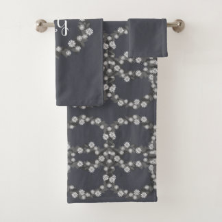 Retro Daisy Floral with Monogram Towel Set in Gray