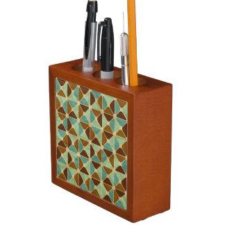 Retro geometric pattern desk organiser