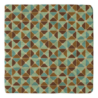 Retro geometric pattern trivet