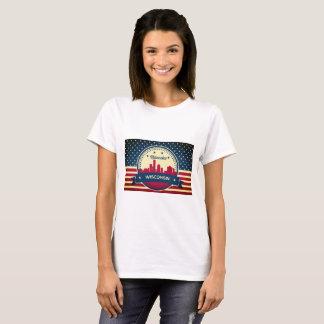 Retro Milwaukee Wisconsin Skyline T-Shirt