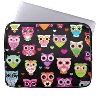 Retro owl pattern laptop sleeve