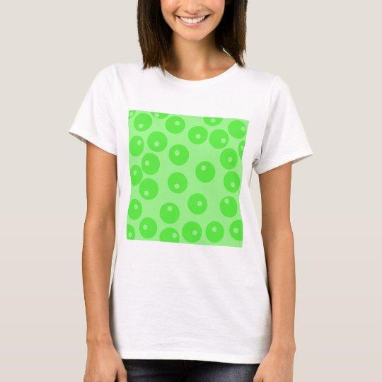 Retro pattern. Circle design in green. T-Shirt