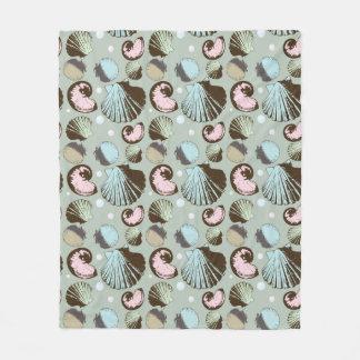 Retro Seashell Pattern Fleece Blanket
