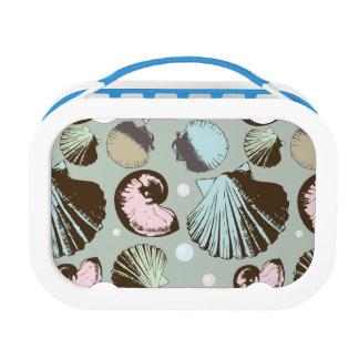 Retro Seashell Pattern Lunch Box
