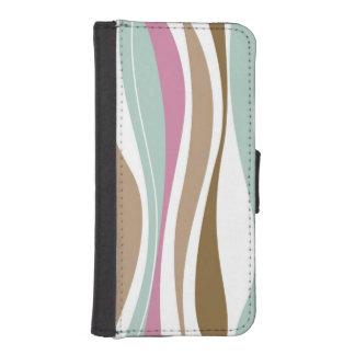 Retro Stripes iPhone SE/5/5s Wallet Case