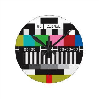 Retro Test Screen, No Signal Wall Clock