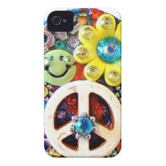Retro Vintage Abstract Peace Smile Face iPhone 4 Cases