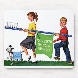 Retro Vintage Kitsch Dentist Kids Giant Toothbrush Mouse Mat