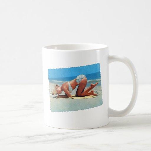 Retro Vintage Kitsch Pin Up Bikini Girl Bottoms Up Coffee Mugs
