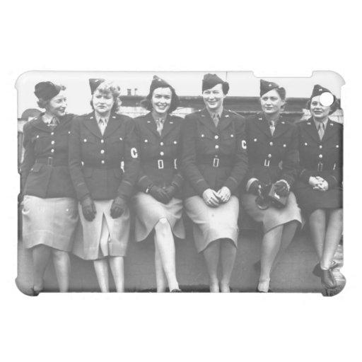 Retro Vintage Women in Uniform Military Women iPad Mini Case