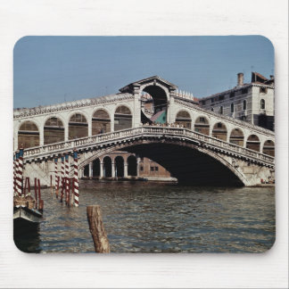 Rialto Bridge, begun 1588 Mouse Mat