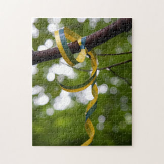 Ribbon outdoors puzzle