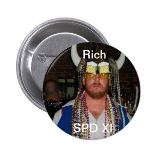 Rich 6 Cm Round Badge