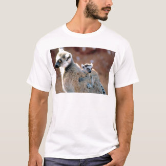 Ringtail Lemur And Baby T-Shirt