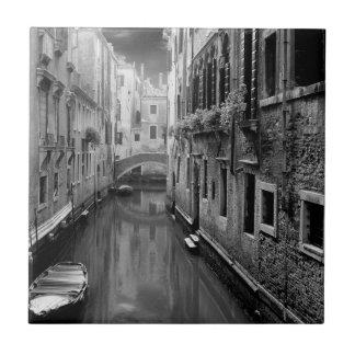 Rio del Paradiso, Venice Tile
