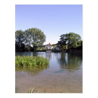 River Thames, Bourne End, Bucks, UK Postcard