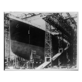 RMS Titanic - Steamship Under Construction Poster