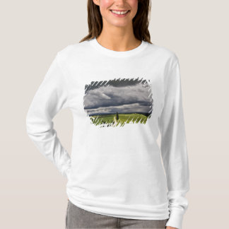 Road and storm clouds, rural Tuscany region, T-Shirt