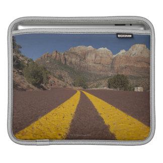 Road-kill viewpoint iPad sleeve