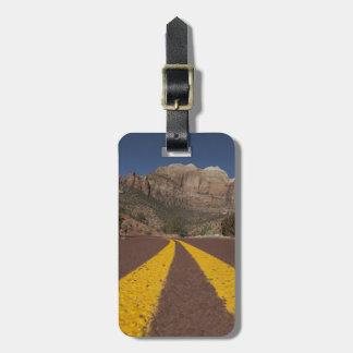 Road-kill viewpoint luggage tag