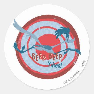ROAD RUNNER™ Beep Beep Yikes! Round Stickers