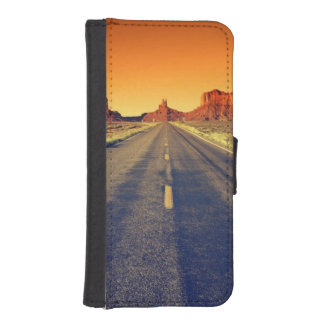 Road To Monument Valley At Sunset iPhone SE/5/5s Wallet Case