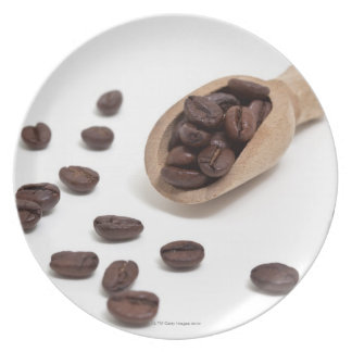 roast coffee beans with scoop plates