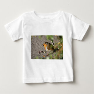 Robin with his worm baby T-Shirt