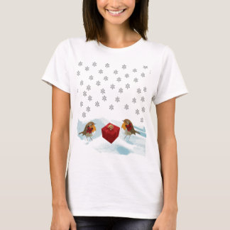 Robins with Gift and Christmas Tartan Bow in Snow T-Shirt