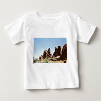 Rock Formations in Utah Tee Shirts