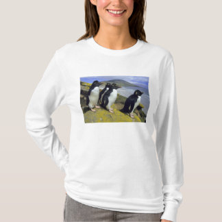 Rockhopper Penguins, (Eudyptes chrysocome), T-Shirt