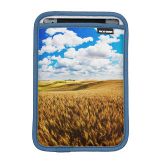 Rolling hills of ripe wheat iPad mini sleeve