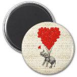 Romantic elephant & heart balloons 6 cm round magnet