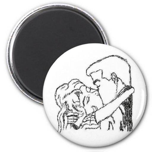 Romantic Kiss 6 Cm Round Magnet