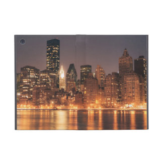 Roosevelt Island View of the New York City Skyline iPad Mini Covers