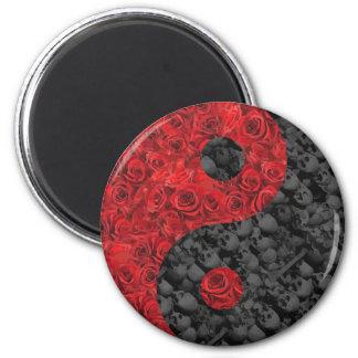 Rose and Skull Yin Yang 6 Cm Round Magnet