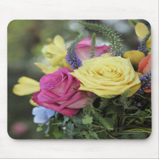 Rose bouquet Mousepad