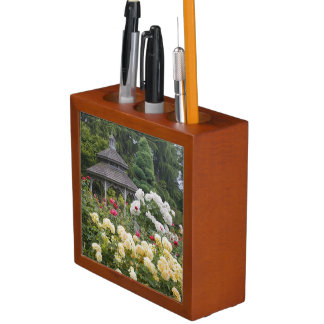 Roses in bloom and Gazebo Rose Garden at the Desk Organiser