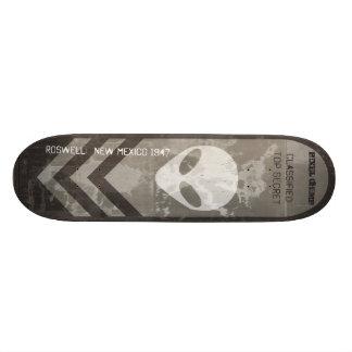 Roswell Alien board inverted Skateboards