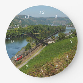 Round clock central Rhine Valley with Lorch