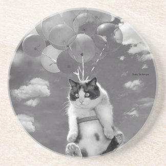 Round Coaster: Funny cat flying with Balloons Drink Coasters