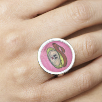 Round Ring - Blondie with Red Beret