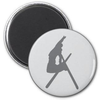 round ski jump icon 6 cm round magnet