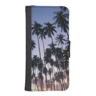 Royal Kupuva Palm Grove at Kaunakakai iPhone SE/5/5s Wallet Case