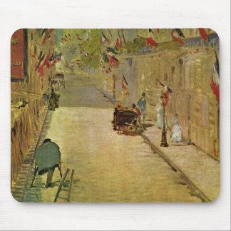 Rue Mosnier mit Fahnen - Edouard Manet Mouse Pad