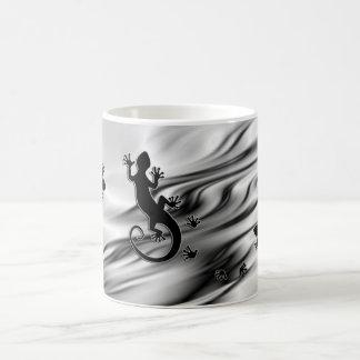 Running Gecko Basic White Mug
